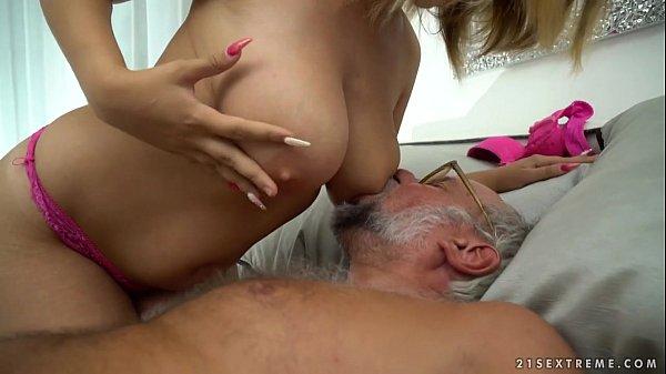 Chubby babe on grandpa dick – Aida Swinger