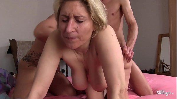 Umzugshelfer mit Sex belohnt im Porno Deutsch